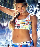 Anna Kournikova getting wet