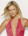 Charlize Theron blonde, pink top