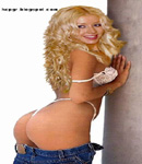 Christina Aguilera bare bottom