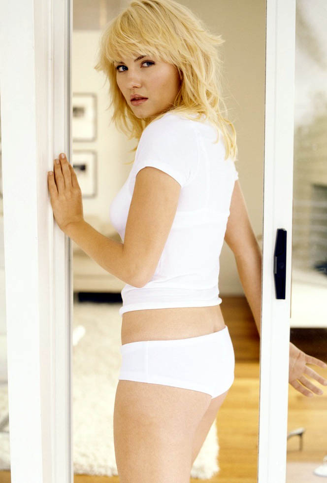 Elisha Cuthbert white panties