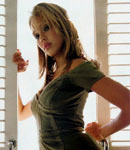 Jessica Alba posing