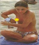 Natalie Portman & friend bikinis beach pic