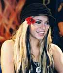 Shakira black hat