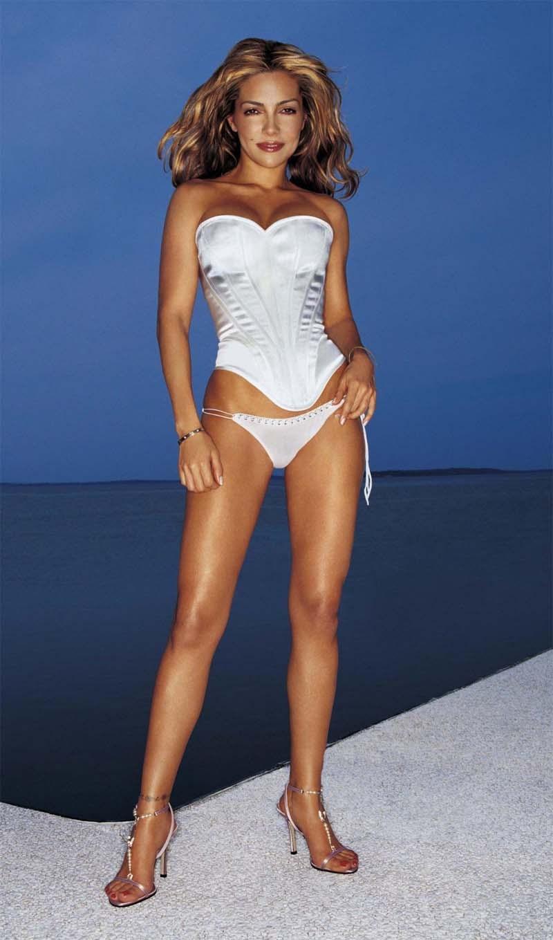 Vanessa Marcil white pants and heels