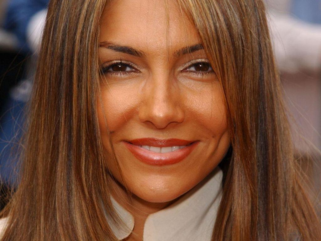 Vanessa Marcil face