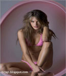 Alessandra Ambrosio working it