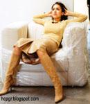 Jessica Alba high heel boots