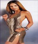 Sarah Michelle Gellar posing