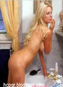 Sophie Monk bathroom