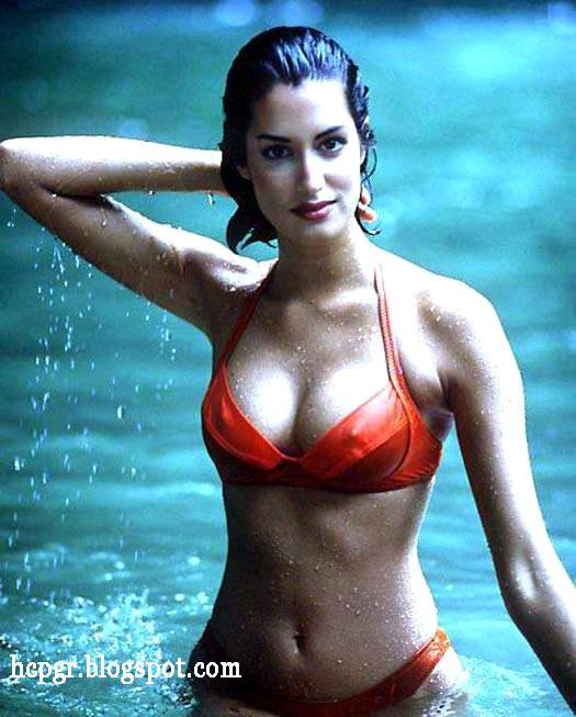 Yasmeen Ghauri gorgeous middle eastern girl