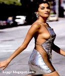Yasmeen Ghauri silver dress