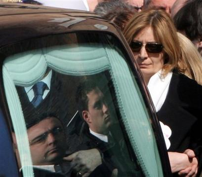 Italian diplomat Calipari's wife, at his funeral after the U.S. killed him 030805