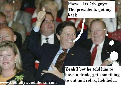 Tom Delay talks to reporters after flying on Air force 1, with Pres. Bush