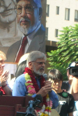 Arun Ghandi at anti-war rally in Hollywood