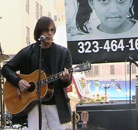 Jackson Browne performs at anti-war march in Hollywood March 17, 2006