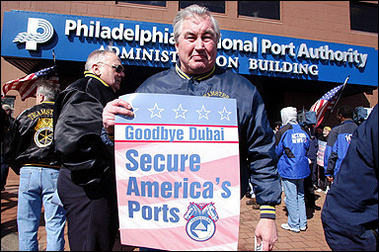 Members of the teamsters union protest Bush's U.A.E. Ports deal