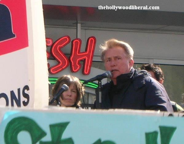 Martin Sheen Hollywood Anti-war rally031806